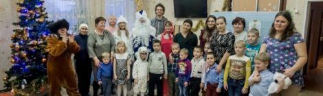 Новогодние представления в Рошальском СРЦ