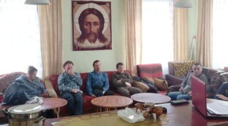 Лекция-беседа в Крестовоздвиженском храме пос. Мишеронский
