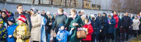 Крестный ход в день Казанской иконы Божией Матери в пос. Мишеронский