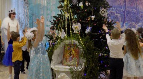 """Рождественский праздник в д/с пос. ЦУС """"Мир"""""""