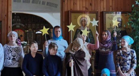 Рождественский праздник в храме Казанской иконы Божией Матери с. Петровское